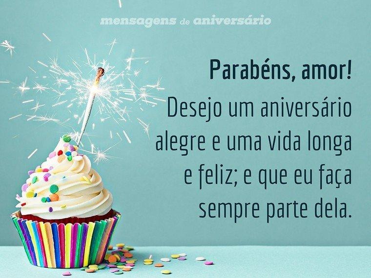 Desejo um aniversário alegre, amor